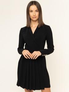 Sukienka Guess z dekoltem w kształcie litery v z długim rękawem