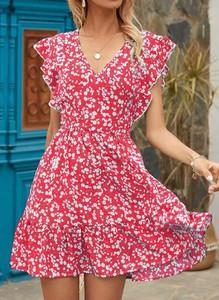 Czerwona sukienka Cikelly mini w stylu casual z krótkim rękawem