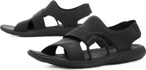 Czarne sandały Merrell z płaską podeszwą