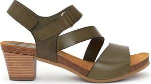 Sandały Clka ze skóry na średnim obcasie