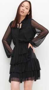 Czarna sukienka Reserved z długim rękawem