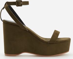 132ea066 Zielone buty damskie na platformie wyprzedaż, kolekcja lato 2019