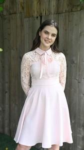 Różowa sukienka Justmelove z bawełny mini z dekoltem w kształcie litery v