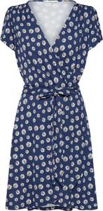 Sukienka edc by Esprit z dekoltem w kształcie litery v w stylu casual
