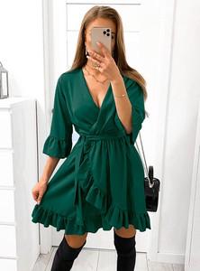 Zielona sukienka Pakuten z dekoltem w kształcie litery v z zamszu