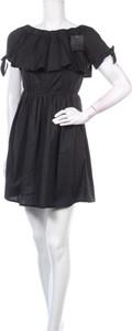 Czarna sukienka Adeline mini z okrągłym dekoltem z krótkim rękawem