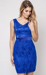 Fioletowa sukienka sukienki.pl dopasowana
