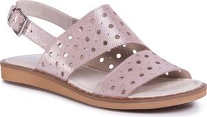 Różowe sandały Nessi w stylu casual na niskim obcasie