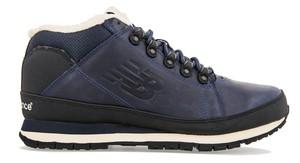 Czarne buty New Balance ze skóry sznurowane w sportowym stylu