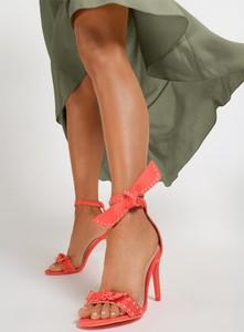 Różowe sandały renee sznurowane na szpilce