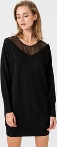 Czarna sukienka Guess z okrągłym dekoltem z wełny z długim rękawem