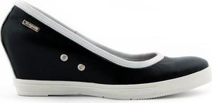 Czarne półbuty Zapato w sportowym stylu ze skóry na koturnie
