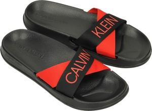 Klapki Calvin Klein z płaską podeszwą w stylu casual