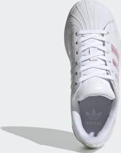 adidas superstar zielone stylowo i modnie z Allani