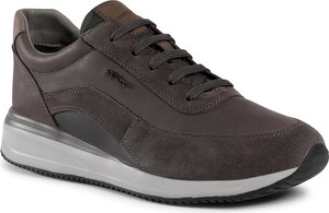 Brązowe buty sportowe Geox sznurowane