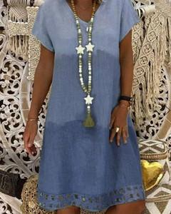 Niebieska sukienka Kendallme z krótkim rękawem