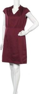 Czerwona sukienka S.Oliver prosta z dekoltem w kształcie litery v