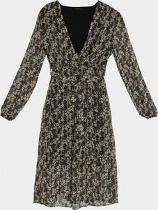 Sukienka Trendyol z dekoltem w kształcie litery v
