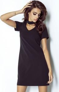 Czarna sukienka stylowemarki24.pl z dekoltem typu choker mini