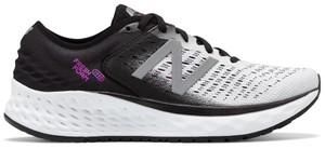 Buty sportowe New Balance w sportowym stylu na koturnie sznurowane