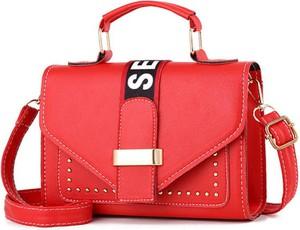 Czerwona torebka Sandbella na ramię