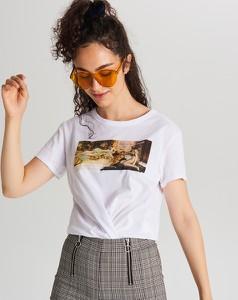 T-shirt Cropp z nadrukiem z okrągłym dekoltem