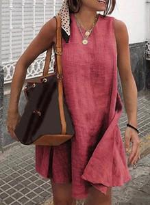 Czerwona sukienka Cikelly z dekoltem w kształcie litery v na ramiączkach oversize