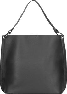 Czarna torebka Wojas duża w stylu casual na ramię