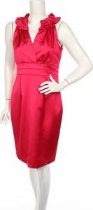 Różowa sukienka Donna Ricco z dekoltem w kształcie litery v bez rękawów