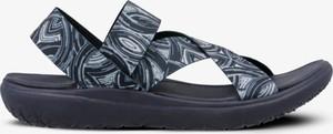 Sandały Feewear z płaską podeszwą