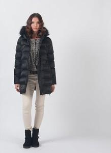 Czarny płaszcz Chattawak w stylu casual