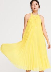 fdcd5b91a2283a Żółta sukienka Reserved midi z okrągłym dekoltem bez rękawów