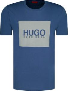 Niebieski t-shirt Hugo Boss w młodzieżowym stylu