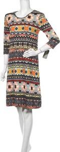 Sukienka Just Love prosta mini z długim rękawem
