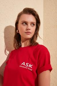 T-shirt Trendyol z krótkim rękawem z okrągłym dekoltem