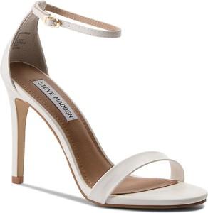 Sandały Steve Madden w stylu klasycznym ze skóry ekologicznej z klamrami