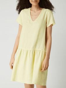 Żółta sukienka Cinque z lnu z dekoltem w kształcie litery v z krótkim rękawem