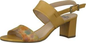Brązowe sandały Caprice z klamrami