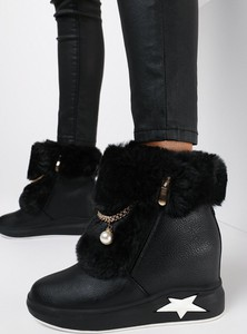 Czarne buty sportowe born2be na platformie