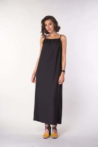 Sukienka Nommo maxi na ramiączkach