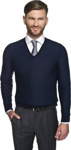 Granatowy sweter recman