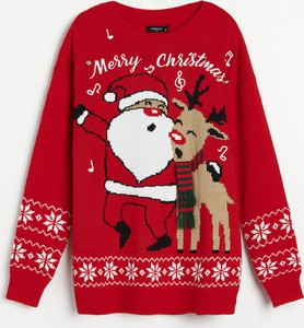 Czerwony sweter Reserved w bożonarodzeniowy wzór w stylu casual
