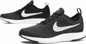 Czarne buty sportowe Nike w sportowym stylu z płaską podeszwą