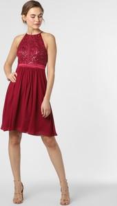 Czerwona sukienka Marie Lund rozkloszowana z dekoltem halter