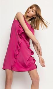 Różowa sukienka Deni Cler mini z jedwabiu bez rękawów