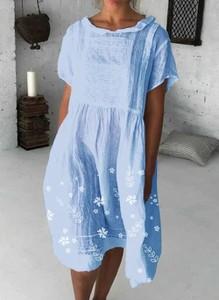 Niebieska sukienka Cikelly z krótkim rękawem z okrągłym dekoltem