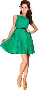 Zielona sukienka NUMOCO z okrągłym dekoltem rozkloszowana