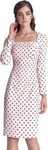Różowa sukienka Nife z długim rękawem midi