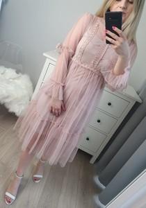 Sukienka MON BOUTIQUE z tiulu z golfem midi