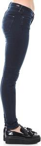 Jeansy Levis z jeansu